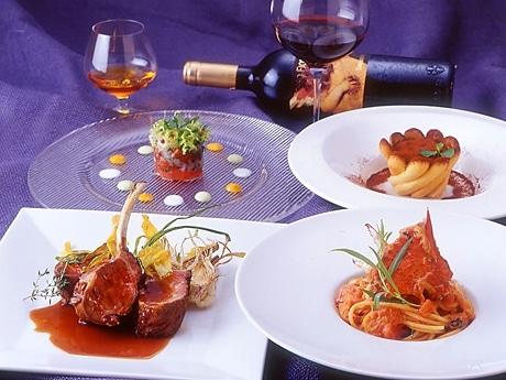 「11周年記念コース」(1人=8,000円)は、前菜~デザートまで全7品のフルコース。