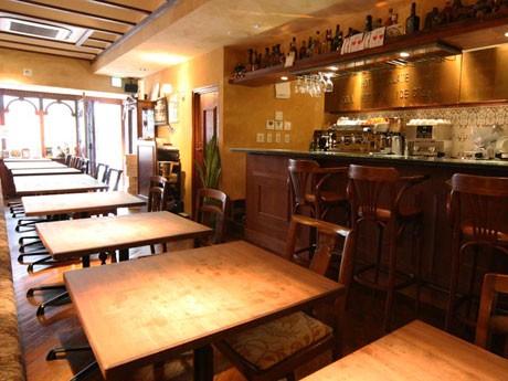 イタリアンバール「bar boga(バール・ボガ)」の店内