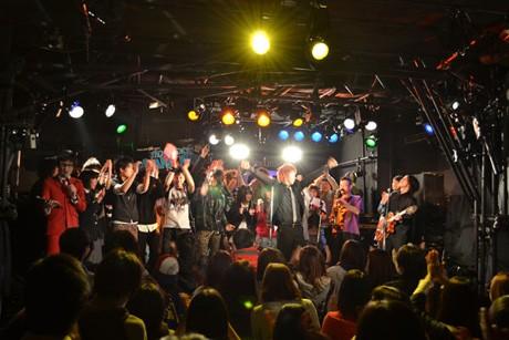 バンドコンテストに出演予定の学生バンド17組がチャリティーライブを実施