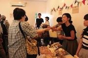 吉祥寺でパンの朝市「パンイチ!」 よつ葉乳業とコラボした限定ブースも