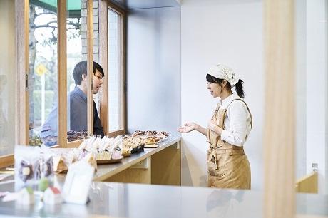 出来上がった商品を店頭販売できる。撮影/Ryokan Abe