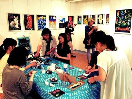 前回開催された、チョークアート教室作品展の様子