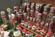三鷹で「愛しのこけし展」 全国各地のこけしやこけしアイテムを展示販売