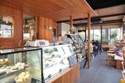 武蔵境駅高架下に「オンド」 地域プレーヤー協業でカフェほか3店に2つの工房併設