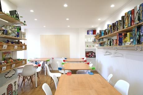 吉祥寺にボードゲームカフェ「ロンドン」 200種以上ラインアップ、「子連れも歓迎」