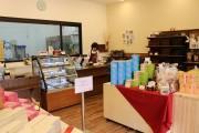 ブラックサンダー工場直営ショップが1周年 小平市内唯一のチョコレート専門店