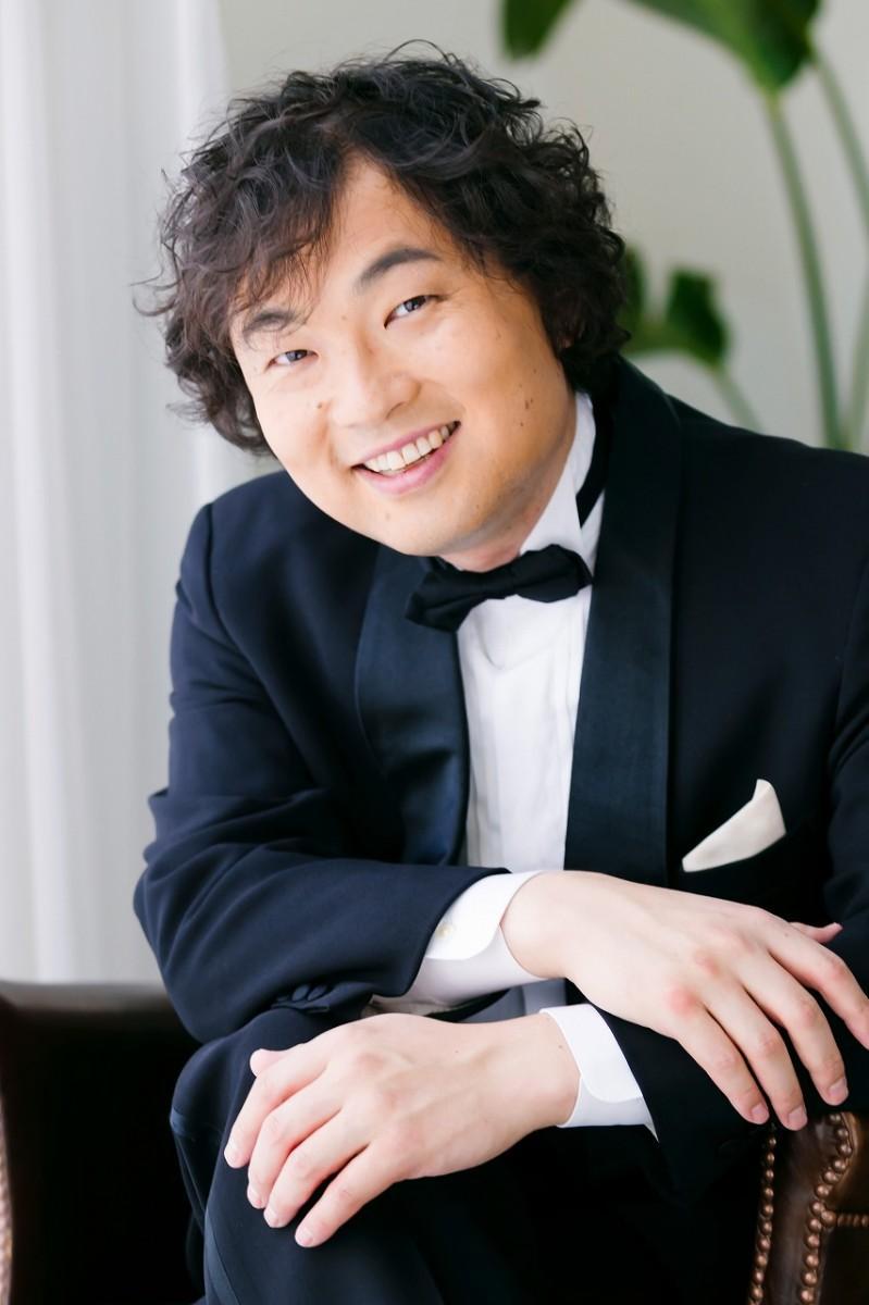 合唱指導の講師を務める高橋淳さん。コンサートではソリストとして出演