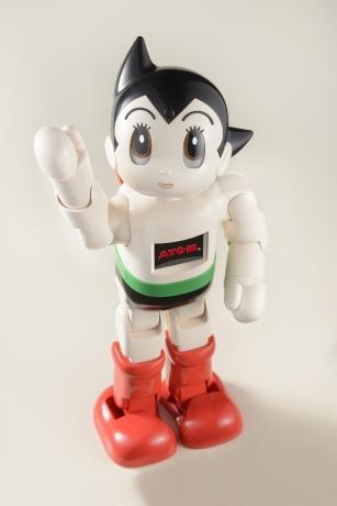初登場するAI搭載コミュニケーションロボット「ATOM(アトム)」(©TEZUKA PRO/KODANSHA)