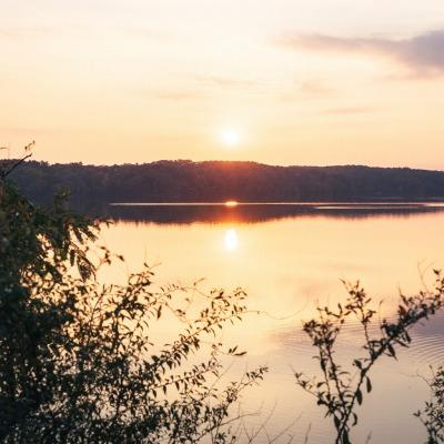 「隠れたインスタ映えスポット」として投稿された多摩湖の夕日