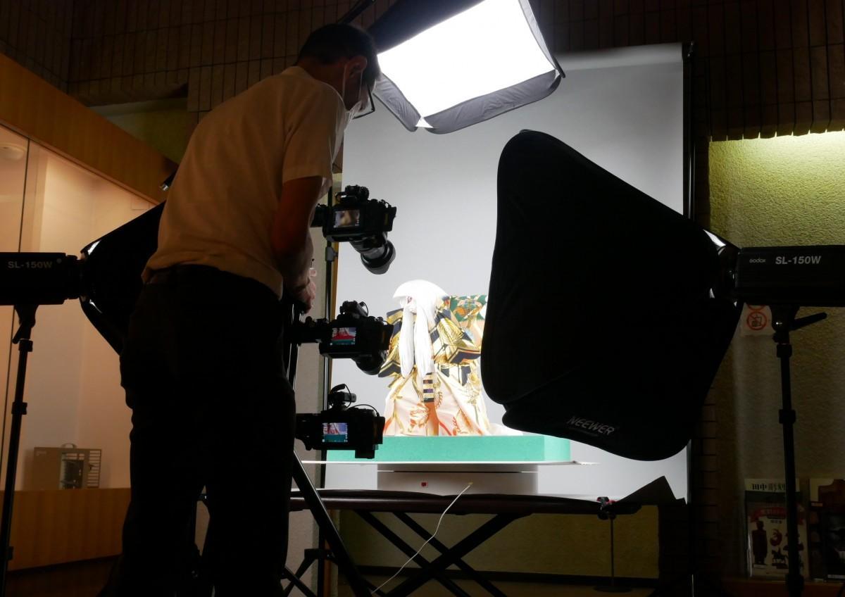 撮影は3台のカメラを使って行われた