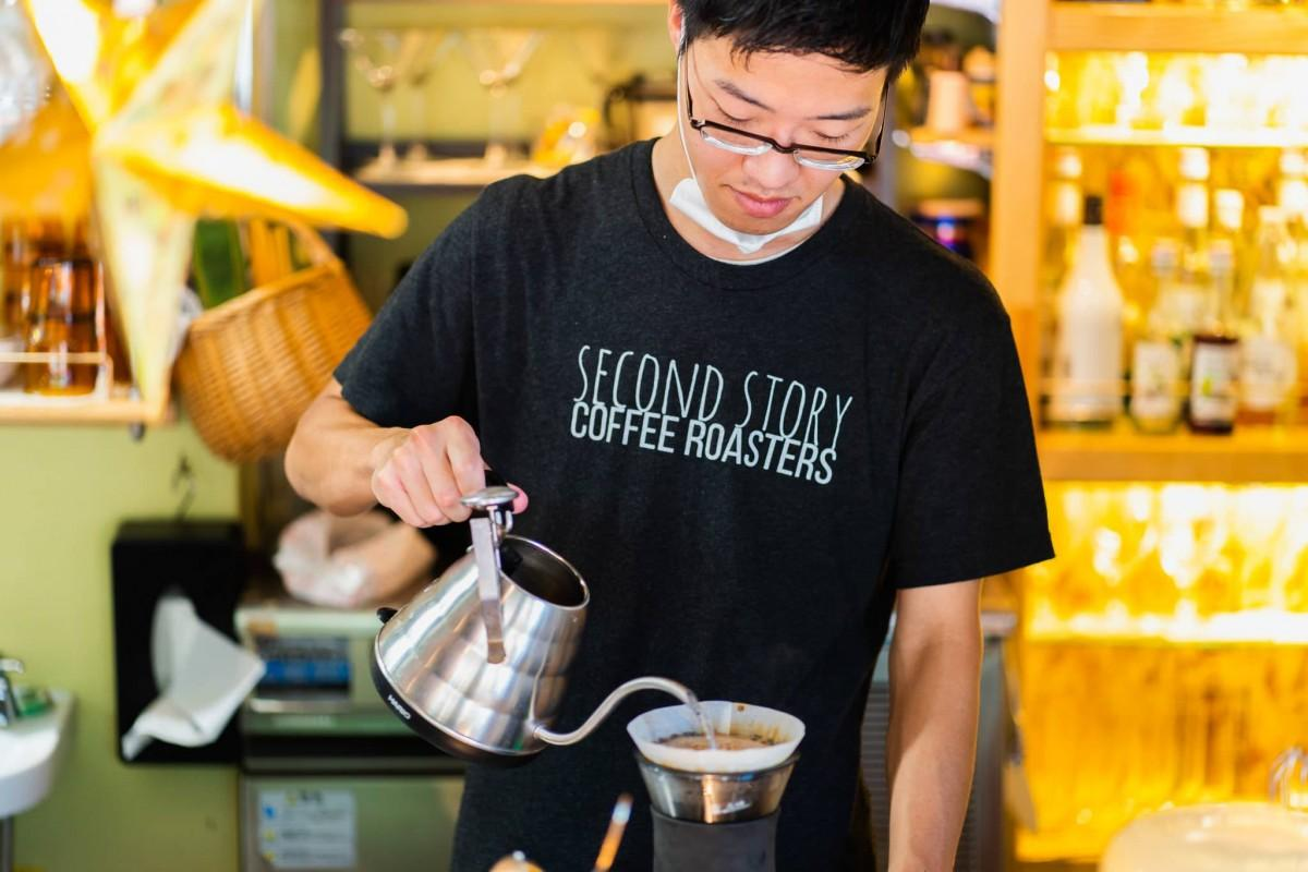 「Second Story Coffee Roasters」の水谷佑輔さん。当日はカッピングのワークショップを行う