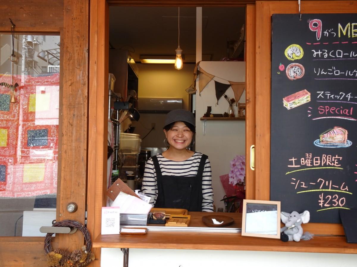店長の篠田宵子さん。一人で店を切り盛りする