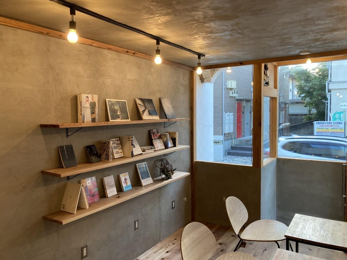 1階カフェスペース