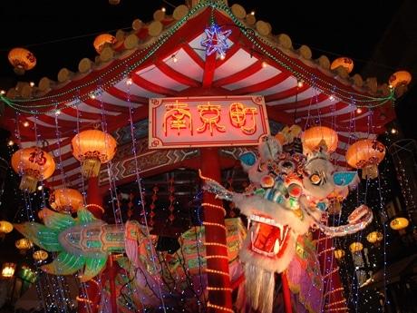 2007年開催時の南京町広場「あずまや」