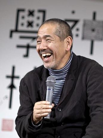 「物語の魔力」をテーマに講演を行う増田喜昭さん