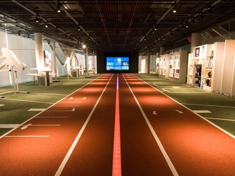 LED速度体感システムの全長は20メートル
