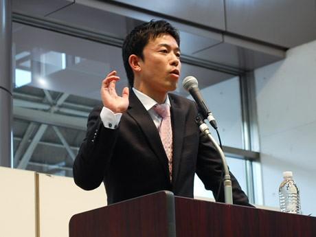 「勇気~野球を通じて学んだこと~」について講演する元プロ野球阪神タイガース選手の赤星憲広さん