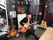 三宮駅前ギター教室「アルマ」が1周年-デビューのバックアップも