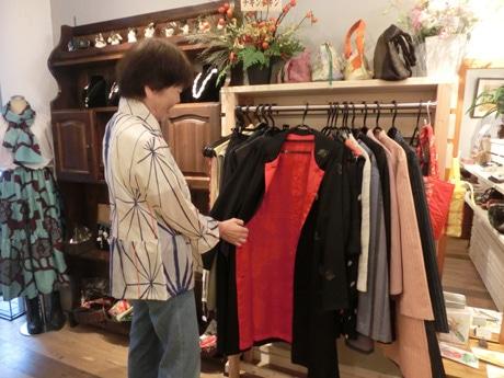 一級技能士が縫製する和服リメークなど作家のこだわりの商品を取り扱う