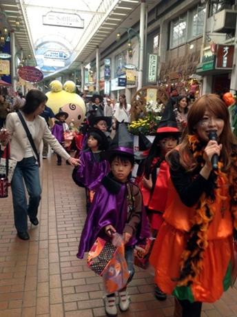 神戸 元町 パレード