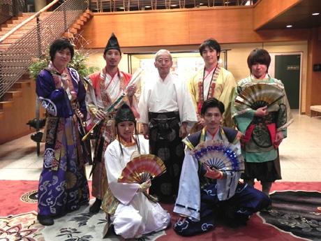 新年のあいさつのため生田神社に訪れた神戸・清盛隊