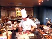 神戸ポートピアホテルで初のディナーバイキング-ズワイガニ食べ放題も