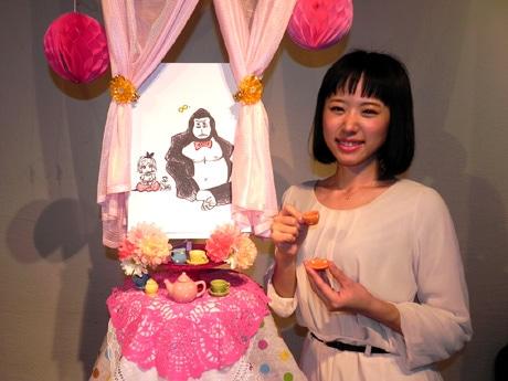 「マーカーと動物と」をテーマにしたタレント樹谷奈央子さんの作品を展示する。