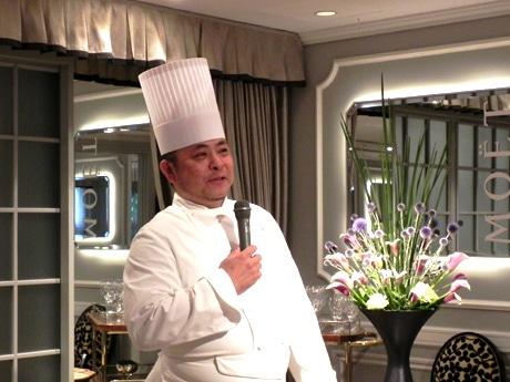 「世界一の朝食」について解説する同ホテル総支配人・総料理長の山口浩さん
