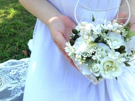 「造花で作るリングピロー」の完成品