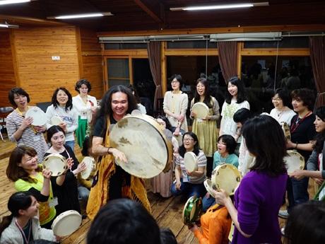 日本唯一のタンバリン専門演奏家・田島隆さんによる「タンバリン神戸教室」が開講