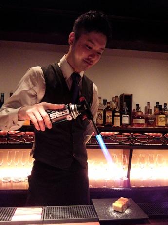 パティシエでもありバーで長年経験を積んだという「SweetS&bar Fauchon」店主の松山秀樹さん
