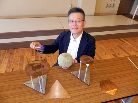 植物から生まれた音階を実現する楽器「POLYGONOLA(ポリゴノーラ)」を製作した生物振動研究所の櫻井直樹さん(広島大学特任教授)