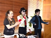 神戸でプレスリー没後39年イベント 湯川れい子さんも参加