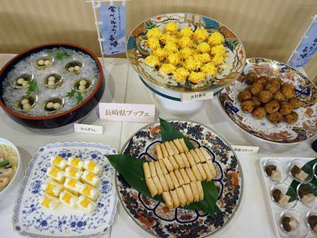ビュッフェでは「大村寿司(すし)」「ハトシ」などを提供