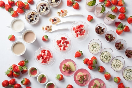 「イチゴとロカボ(低糖質)」テーマのナイトデザートブッフェ「Loca-Berry」