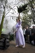 神戸・諏訪神社で厄除初午大祭 湯立神事や餅まきも