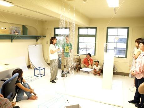 神戸で「モビール」テーマにスタジオアーティスト展 制作現場公開も