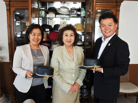 左からマキシン取締役の杉原理砂さん、渡邊百合社長、営業統括部長の柳憲司さん