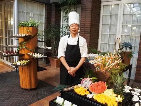 神戸北野ホテルのパティシエ・本部未央シェフ