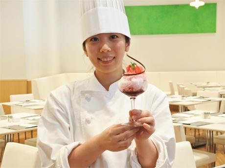 IHG・ANAホテルズグループジャパンによる社内コンテストで「女子力アップ賞」を受賞したという「ミックスベリーフラッペ」