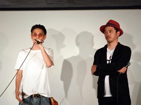 ミニシアター「元町映画館」で映画「アリーキャット」主演の窪塚洋介さんと榊英雄監督が舞台あいさつ