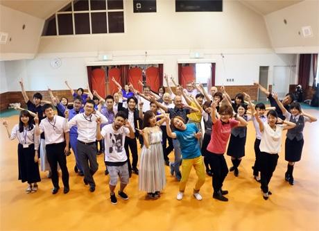 8月2日には「こべっこランドホール」で「HARBOR音頭」の振り付け練習会が行われ、多くの人が参加した。