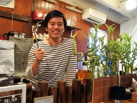 モトコー3番街にあるカレー専門店「KUU Curry(クーカレー)」店主の今村亮さん