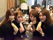 神戸・三宮にデリとビールにこだわるカフェ「マザー」 哺乳瓶で飲むスムージーも