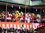 生田神社で節分祭 花*花、ハイヒール・モモコさんも参加