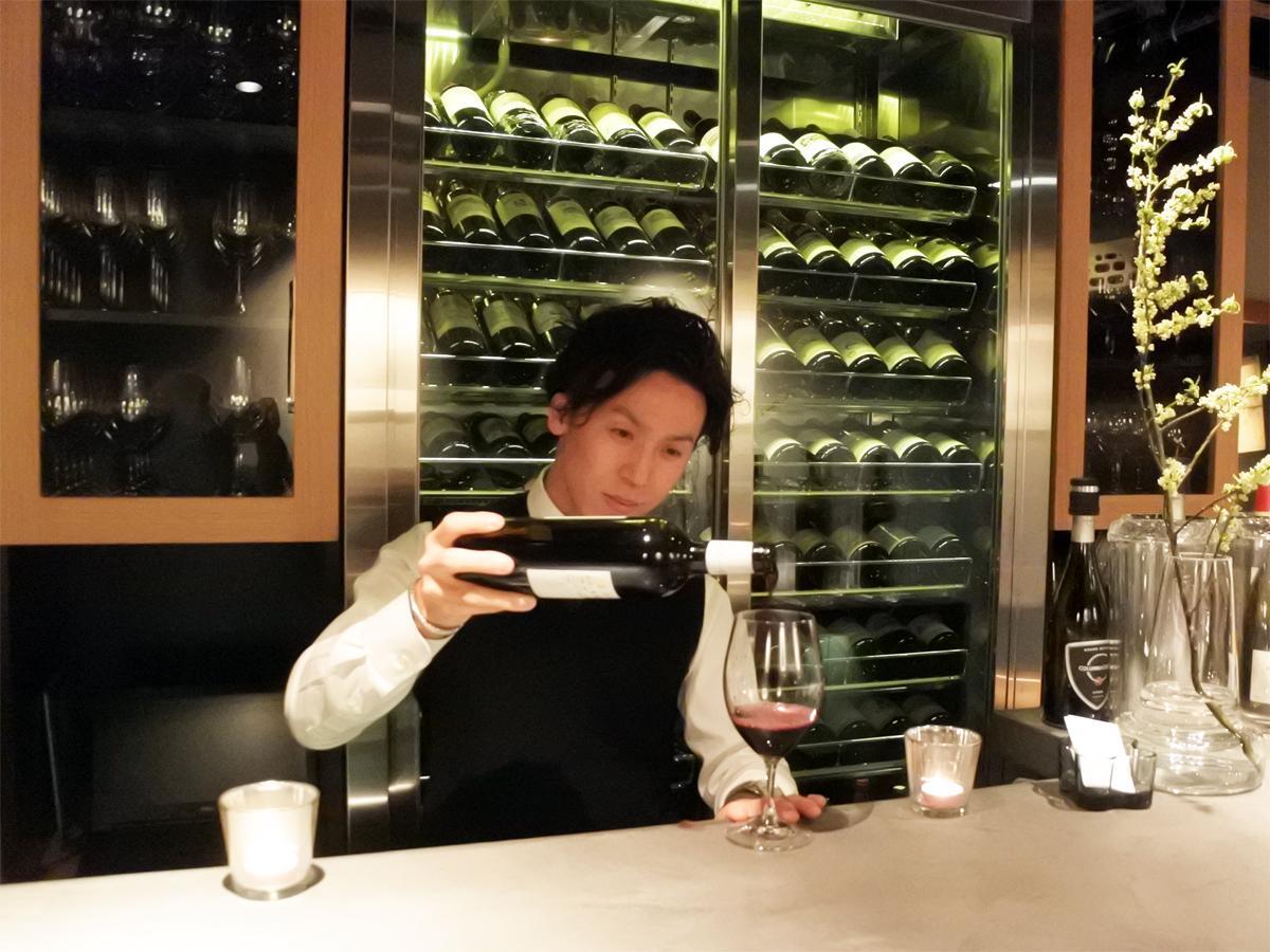 ワインバー「Wine Bar Calon Segur(カロン・セギュール)」の店主兼ソムリエの藪内正臣さん