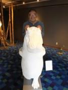 神戸・北野異人館と王子動物園にカバの造形作品 公民協働事業の一環で