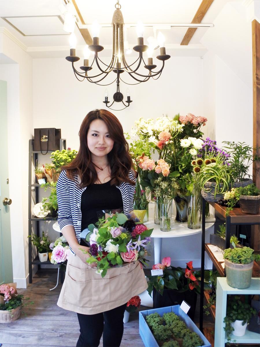「お花のパティシエ」と呼ばれる店主の烏野優貴(うのゆうき)さん