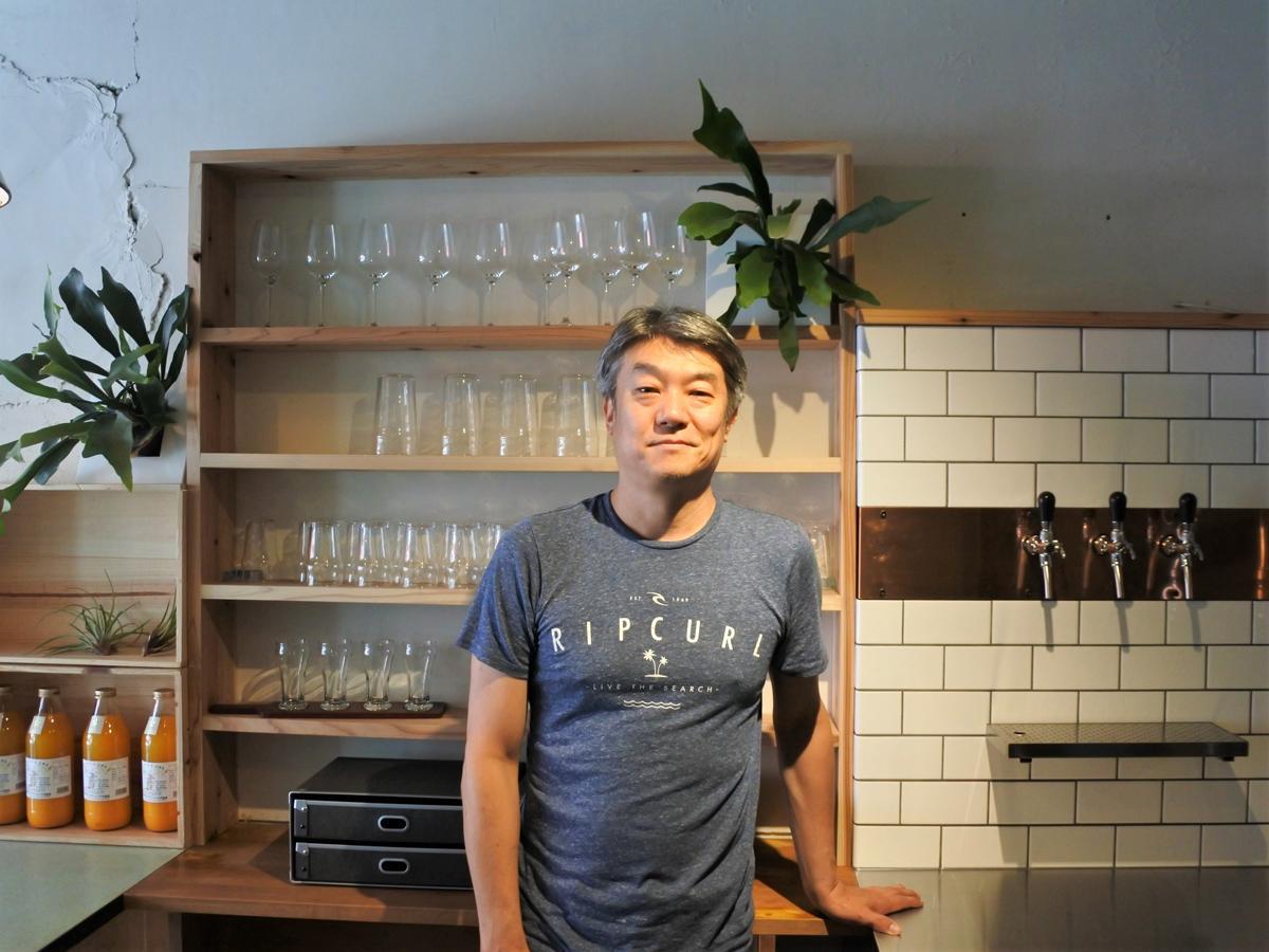 1993年に三宮で開業した人気カフェ「マザームーンカフェ」創業者の木村良介さん
