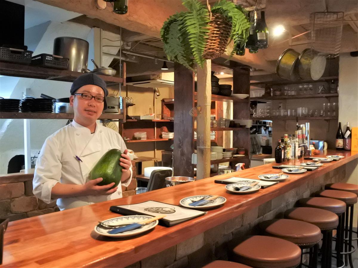 中華バル「はらぺこ飯店」店主の市川涼平さん